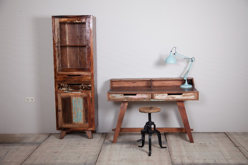 vintage schreibtisch aus indien aus recyceltem holz. Black Bedroom Furniture Sets. Home Design Ideas